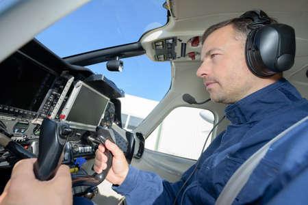 piloto de avion: Piloto en aviones Foto de archivo