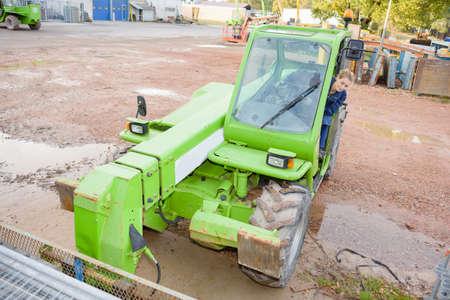 maquinaria pesada: conducir maquinaria pesada