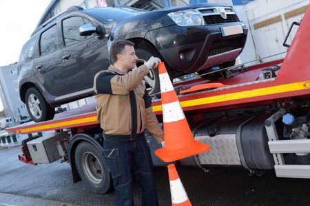 hauler: hauling a car