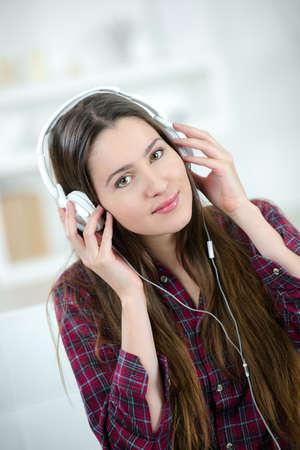 listing: beautiful girl listing music
