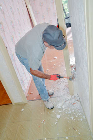 hammering: Hammering at a wall