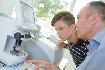 optician: Optician using equipment