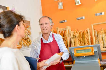 siervo: panadero barra de pan que sirve