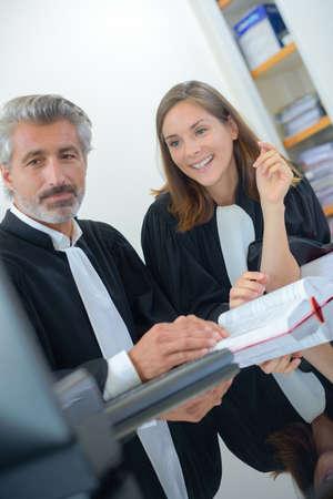 judges working together Banque d'images