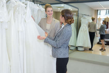 wedding planner and customer