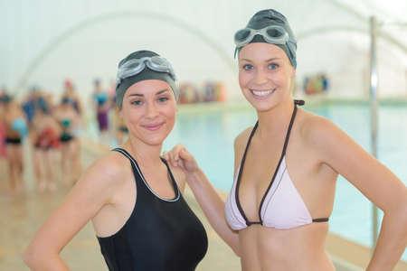 Portrait de deux nageurs féminins