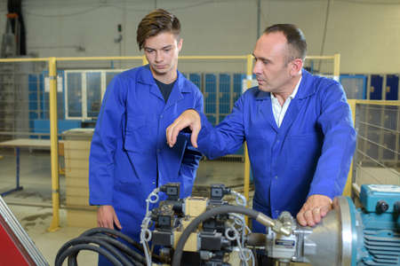 routing: mechanic apprentice in the workshop