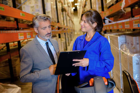 operative: Warehouse operative with manager