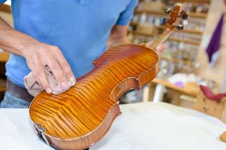 wiping the violin