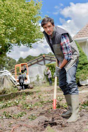 paysagiste: creuser ce sol