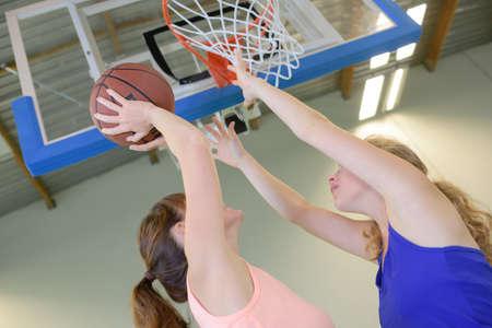 netball 목표를 목표로하는 여자