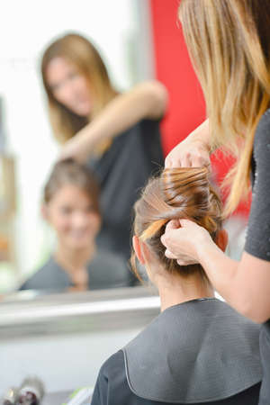 styler: hairdo in the barber shop