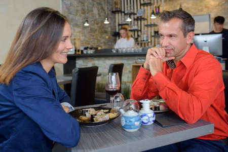 siervo: the couple in the restaurant