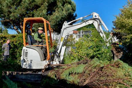 diggers: Using a digger saves time