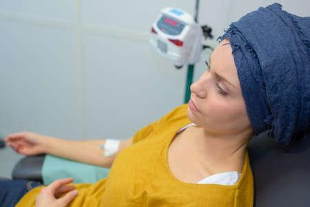 化学療法の治療を有する女性 写真素材