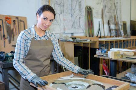 artistas: Retrato del artista con el marco Foto de archivo