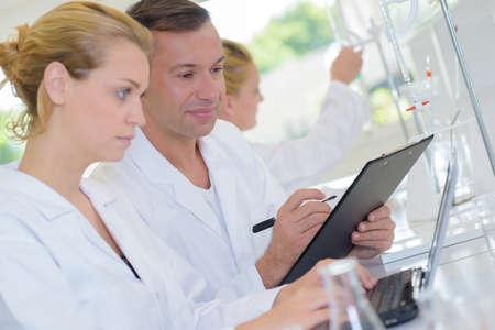 metodo cientifico: mejora en el laboratorio