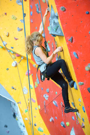 crack climb: pleasure in wall climbing