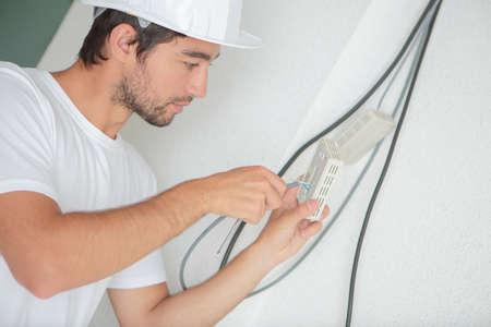 telecommunication line installer