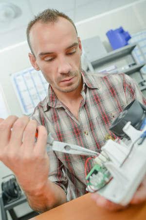 alicates: Hombre, trabajando, eléctrico, aparato