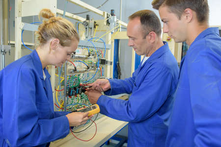 ampere: Apprentices learning to use multi meter