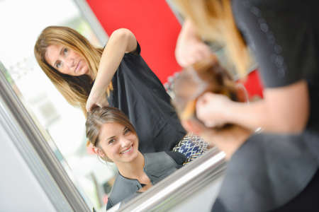 styler: girl having a service at the parlor