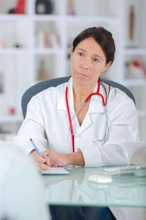 luisteren naar de patiënt