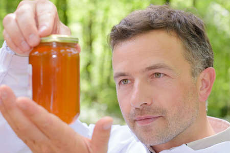 characteristic: checking honey grade