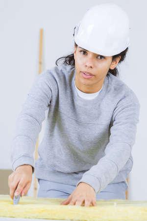 fibra de vidrio: Aislamiento de corte de trabajador