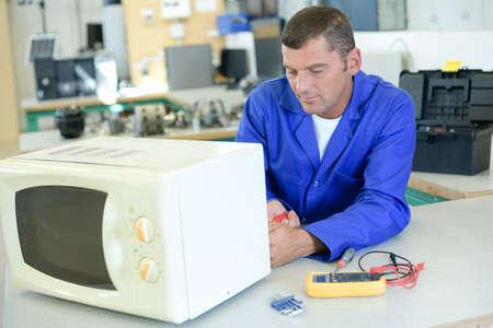 appliance: appliance technician