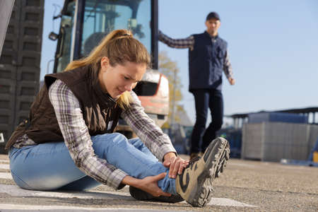 misadventure: construction worker in an accident Stock Photo