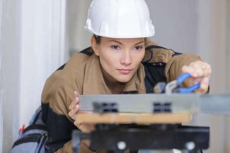 appliance: female appliance technician