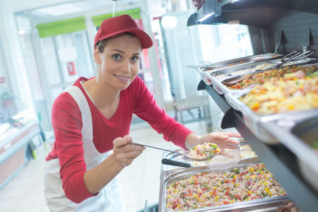 buffet, lavoratore, femmina, servire, cibo, caffetteria