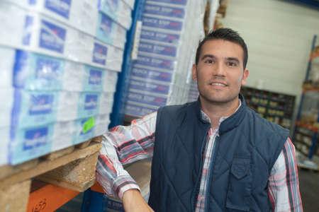 delivery boy with crates Banco de Imagens