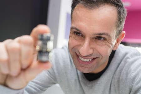 man hand holding vaporizerelectronic cigarette