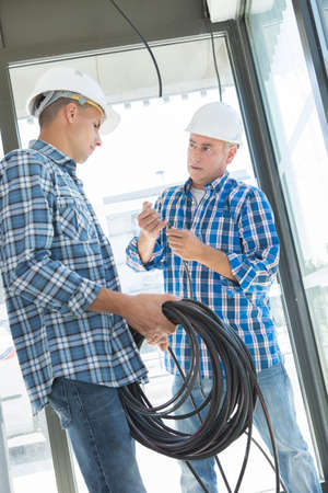 electrical apprentice with instructor Banque d'images