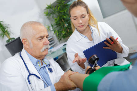 showing how to get the blood pressure Stock fotó