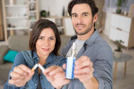 couple wants to stop smoking