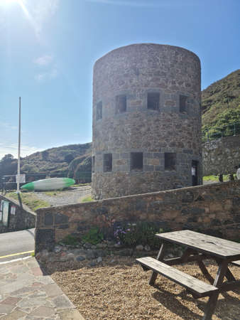 Petit Bot Bay Loophole Tower no 13, Guernsey Channel Islands Banque d'images
