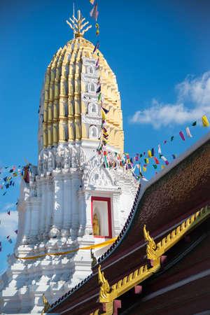 tranquilly: Thai stupa