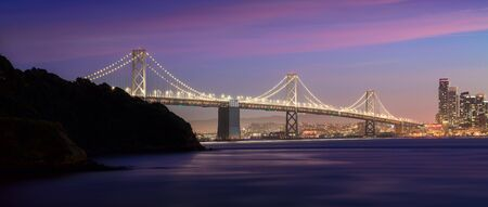 Bay Bridge at twilight looking into San Francisco 免版税图像