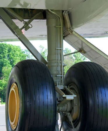 Aircraft undercarriage photo