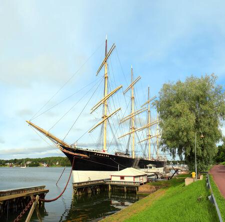 Una nave a vela a quattro alberi in Mariehamn come nave museo Isole Aland, Finlandia Archivio Fotografico - 25789113