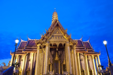 Buddhist temple Grand Palace at night in Bangkok, Thailand Stock Photo - 11562393