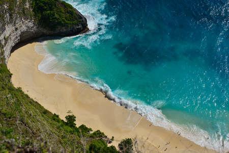 Amazing Wonderful seashore aerial view of beach located in Nusa Penida, southeast of Bali Island, Indonesia. Imagens