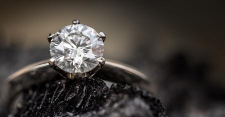 ダイヤモンドリング 写真素材