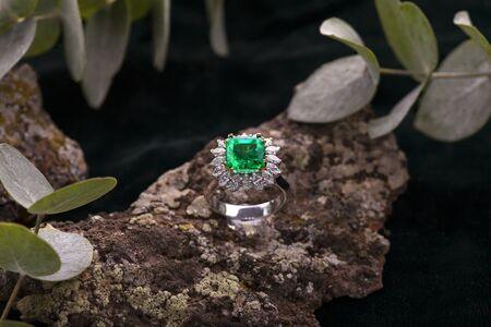 Emerald Jewelry Ring