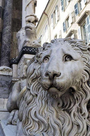 Marble Lion Guarding Cathedral of Saint Lawrence  Lorenzo  in Genoa, Italy Stock Photo - 13562738