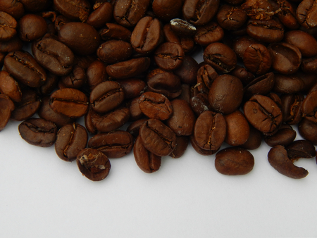http://us.123rf.com/450wm/avatap/avatap1508/avatap150800079/43465189-кофе-в-зернах.jpg