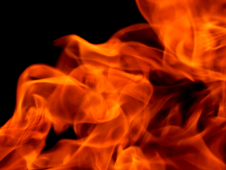 http://us.123rf.com/450wm/avatap/avatap1509/avatap150900018/44517609-Яркий-огонь-и-пламя.jpg